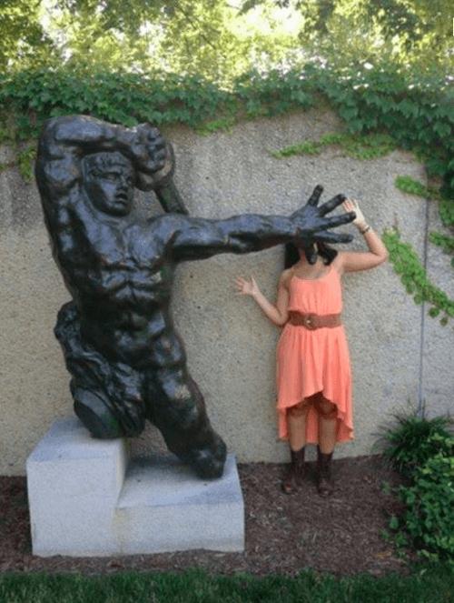 statue1 apisteuta
