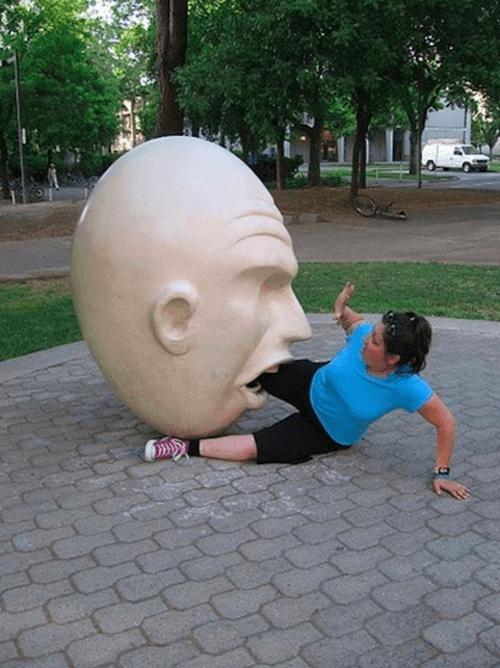 statue11 apisteuta